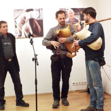"""2017.02.23. Kiállításmegnyitó """"Sviraj dudo"""" – """"Fújjad dudásom"""" című kiállítás"""